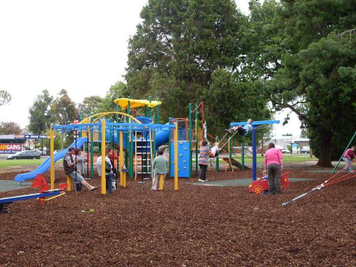 Penola Memorial Park Playground